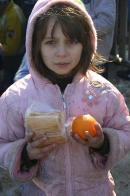 Food distribution in Marasesti